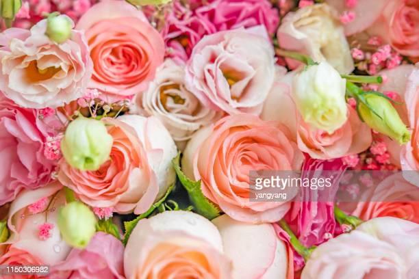 romantic pink roses - mazzo di rose foto e immagini stock