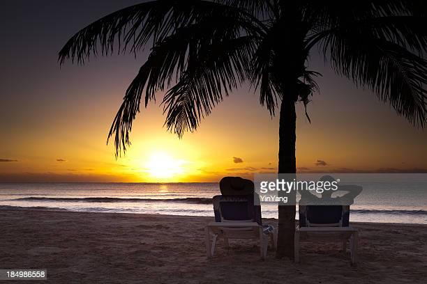 Romantischer Sonnenaufgang über der Riviera Maya, Mexiko auf das Karibische Meer
