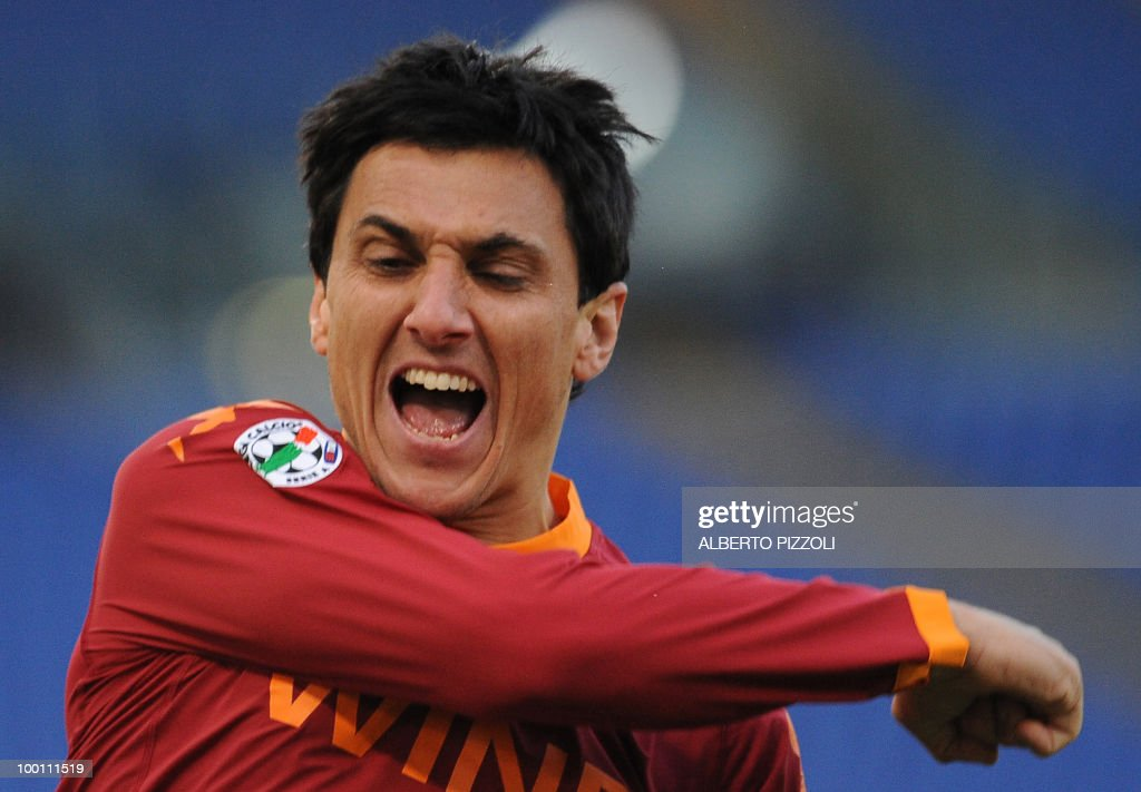 AS Roma's Argentine defender Nicolas Burdisso celebrates after scoring against Parma during their Italian serie A football match on December 20, 2009 at Olympic stadium in Rome.
