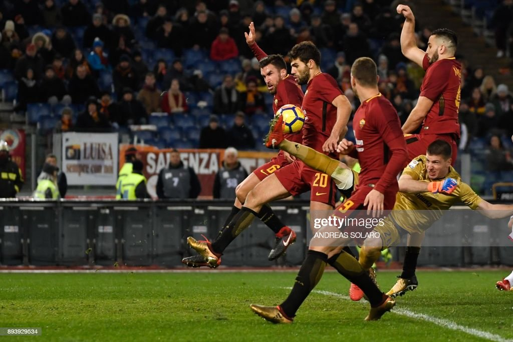 FBL-ITA-SERIE A-ROMA-CAGLIARI : News Photo
