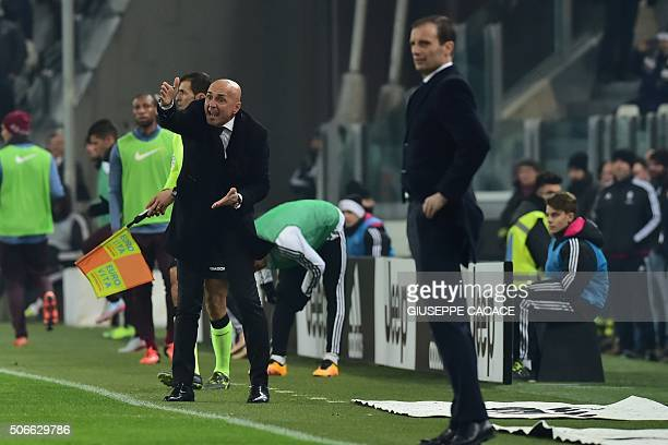 Roma's coach Luciano Spalletti reacts next to Juventus' coach from Italy Massimiliano Allegri during the Italian Serie A match Juventus vs AS Roma at...