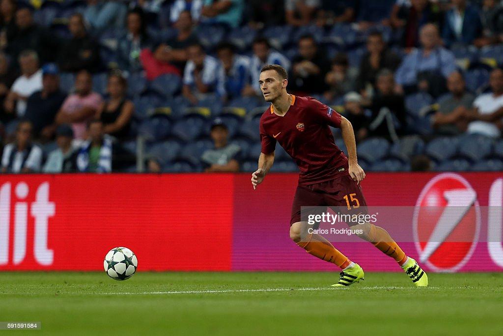 FC Porto v AS Roma: UEFA Champions League : News Photo