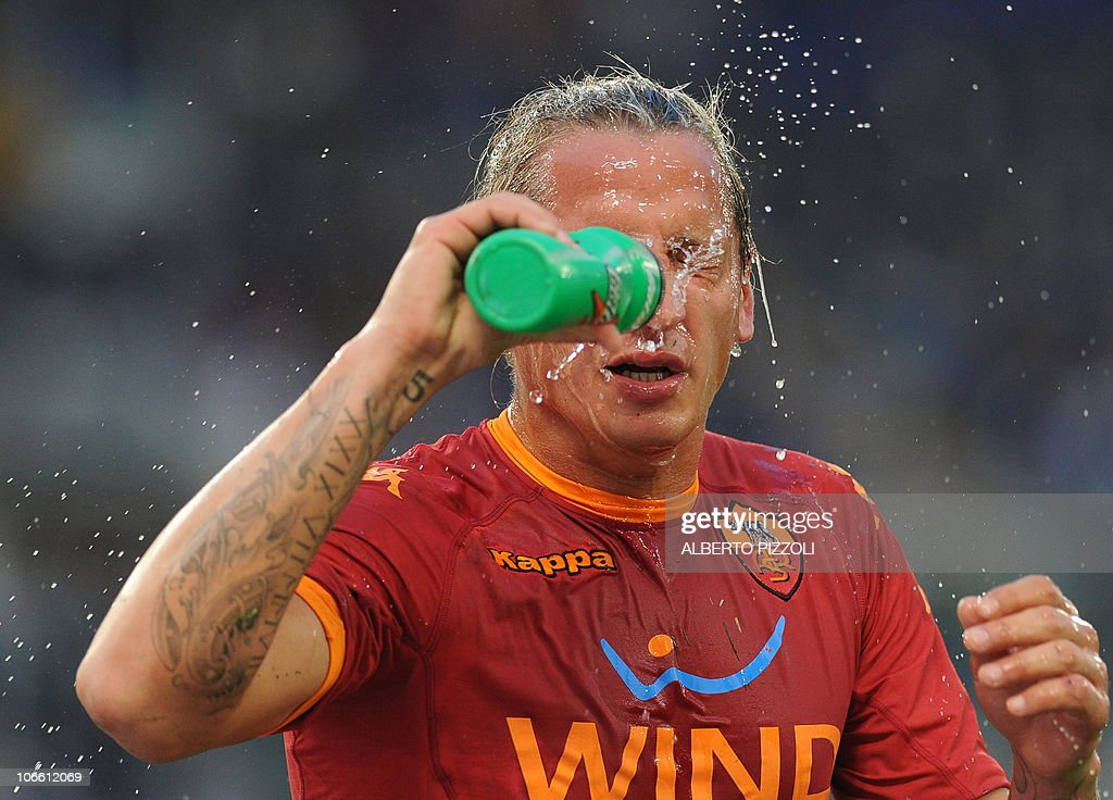 AS Roma's French defender Philippe Mexes : News Photo