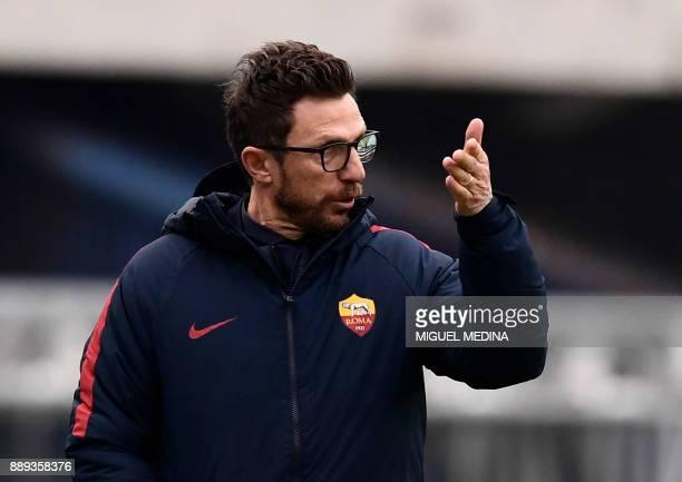 Roma's Italian coach Eusebio Di Francesco gestures during the Italian Serie A football match AC Chievo vs AS Roma at The Bentegodi Stadium in Verona...