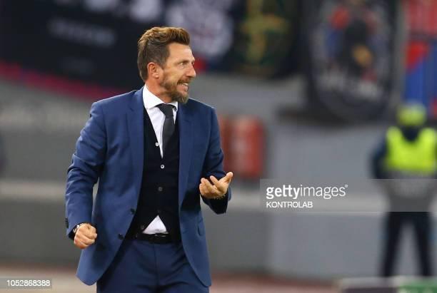 Roma's Italian coach Eusebio Di Francesco gestures during the UEFA Champions League football match AS Romai vs CSKA Moskow at the Olimpico Stadium AS...
