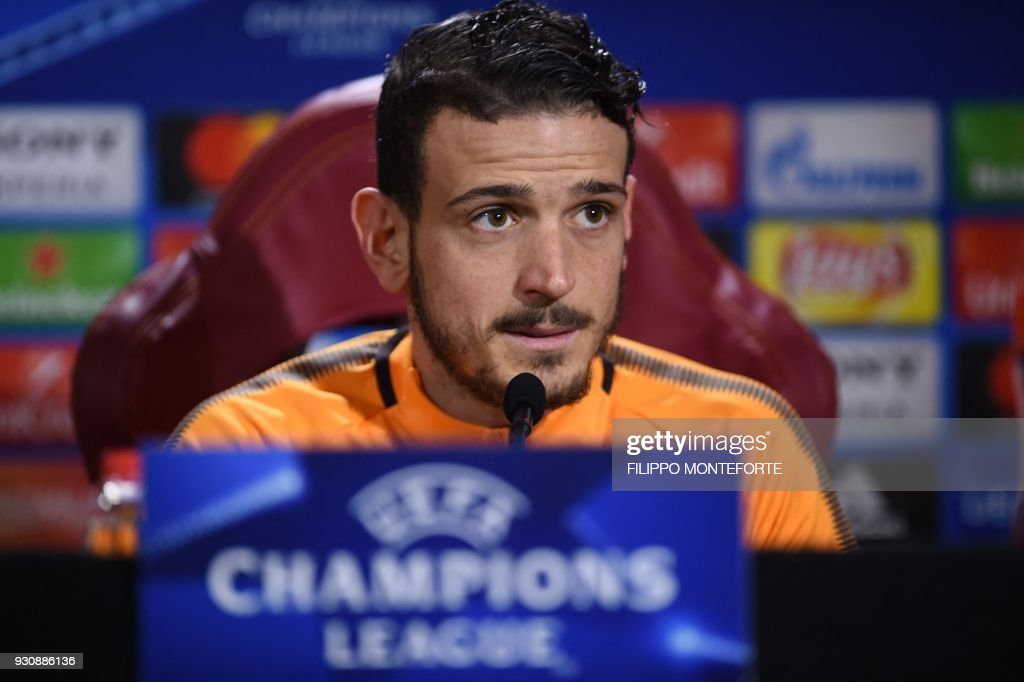 Roma's Italian midfielder Alessandro Florenzi attends a press conference on the eve of the UEFA Champions League football match AS Roma vs Shakhtar Donetsk on March 12, 2018 in Rome. / AFP PHOTO / Filippo MONTEFORTE