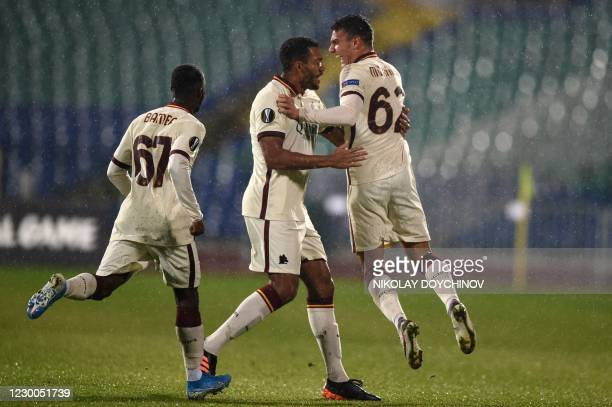 Roma's Italian midfielder Tommaso Milanese celebrates with teammates after scoring during the UEFA Europa League Group A football match between CSKA...