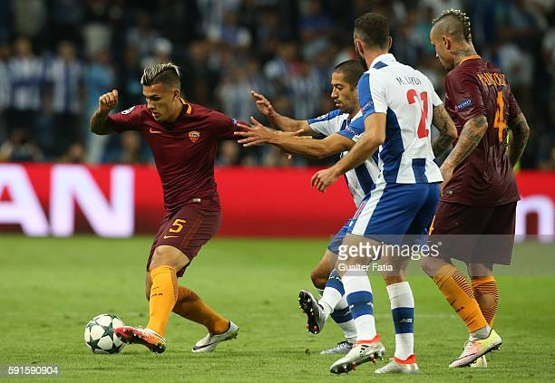 RomaÕs midfielder Leandro Paredes from Argentina in action during the UEFA Champions League match between FC Porto and AS Roma at Estadio do Dragao...
