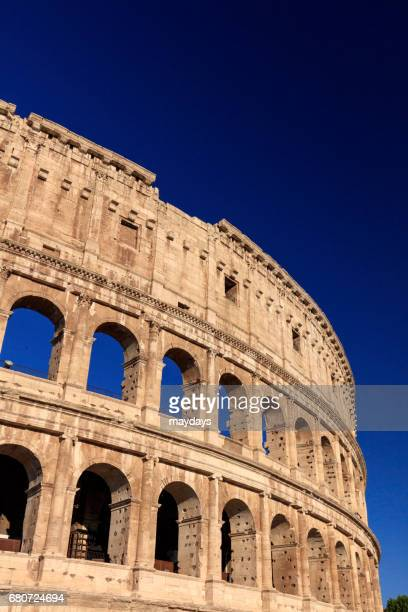 rome, colosseo - periodo medievale stock pictures, royalty-free photos & images