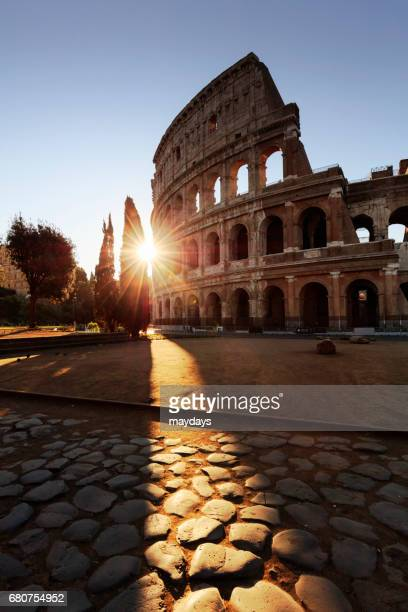 rome, colosseum at sunrise - periodo medievale stock pictures, royalty-free photos & images