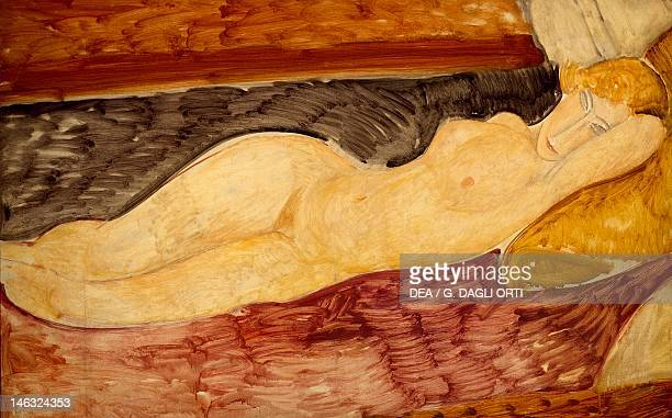 Rome Galleria Nazionale D'Arte Moderna Reclining Nude by Amedeo Modigliani oil on canvas 76x116 cm