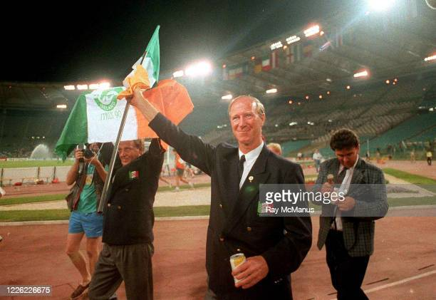 Rome Italy 30 June 1990 Republic of Ireland manager Jack Charlton waves to the supporters following his side's defeat in the FIFA World Cup 1990...
