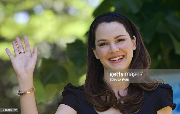 "Actress Jacinda Barrett of Australia poses during a photocall to present ""Poseidon"" directed by German Wolfgang Petersen, 31 May 2006 in Rome. AFP..."