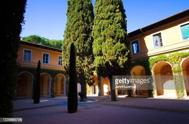 roma, italia: american academy of rome exterior courtyard - cultura americana foto e immagini stock