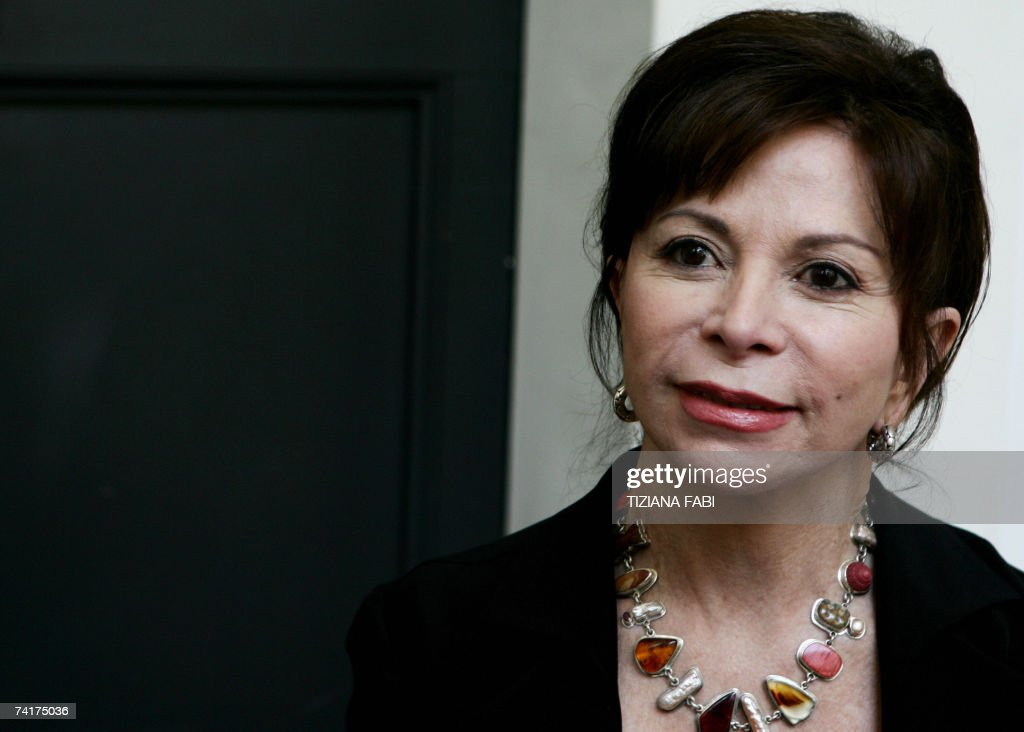 Chilean writer Isabel Allende poses during the 6th edition of the Rome literature festival at the Basilica di Massenzio in Rome, 17 May 2007. AFP Photo / Tiziana Fabi