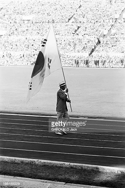 Rome Olympics Games 1960. Italie, jeux olympiques de Rome : ambiance, épreuves et rendez-vous avec des sportifs. 83 pays participèrent à ces jeux. 25...