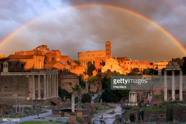 rome, roman forum at sunset - periodo medievale stock pictures, royalty-free photos & images