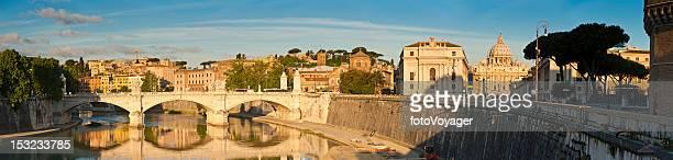 Alba di Roma, Basilica di San Pietro Vaticano fiume Tevere, Italia