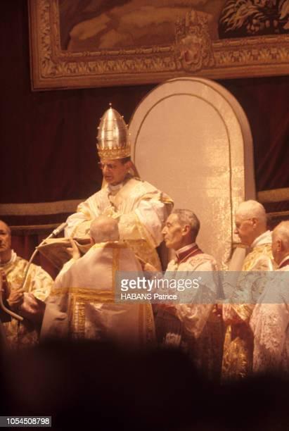 Rome Vatican 30 juin 1963 Le sacre du pape Paul VI La cérémonie du couronnement a commencé par une messe dialoguée qui a duré deux heures et demi...