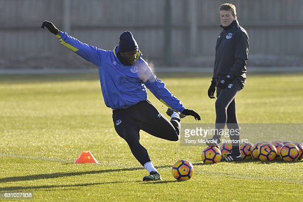 Romelu Lukaku and Erwin Koeman during the Everton FC training session at Finch Farm on January 5 2017 in Halewood England
