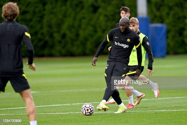 Romelu Lukaku and Timo Werner of Chelsea during a training session at Chelsea Training Ground on August 17, 2021 in Cobham, England.