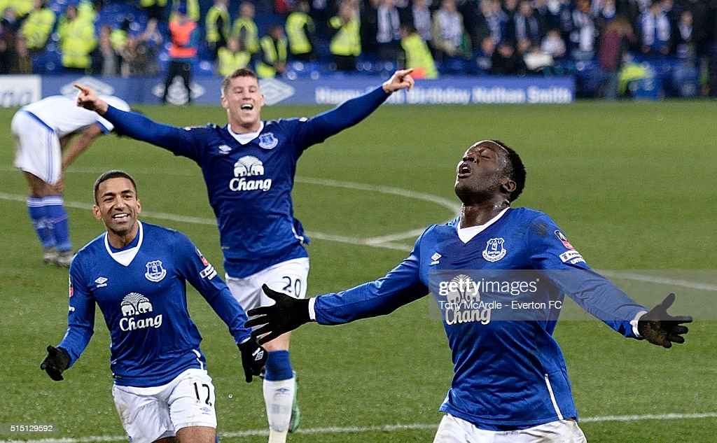 Romelu Lukaku celebrates his first goal during The Emirates FA Cup Sixth Round match between Everton and Chelsea at Goodison Park on March 12, 2016 in Liverpool, England.