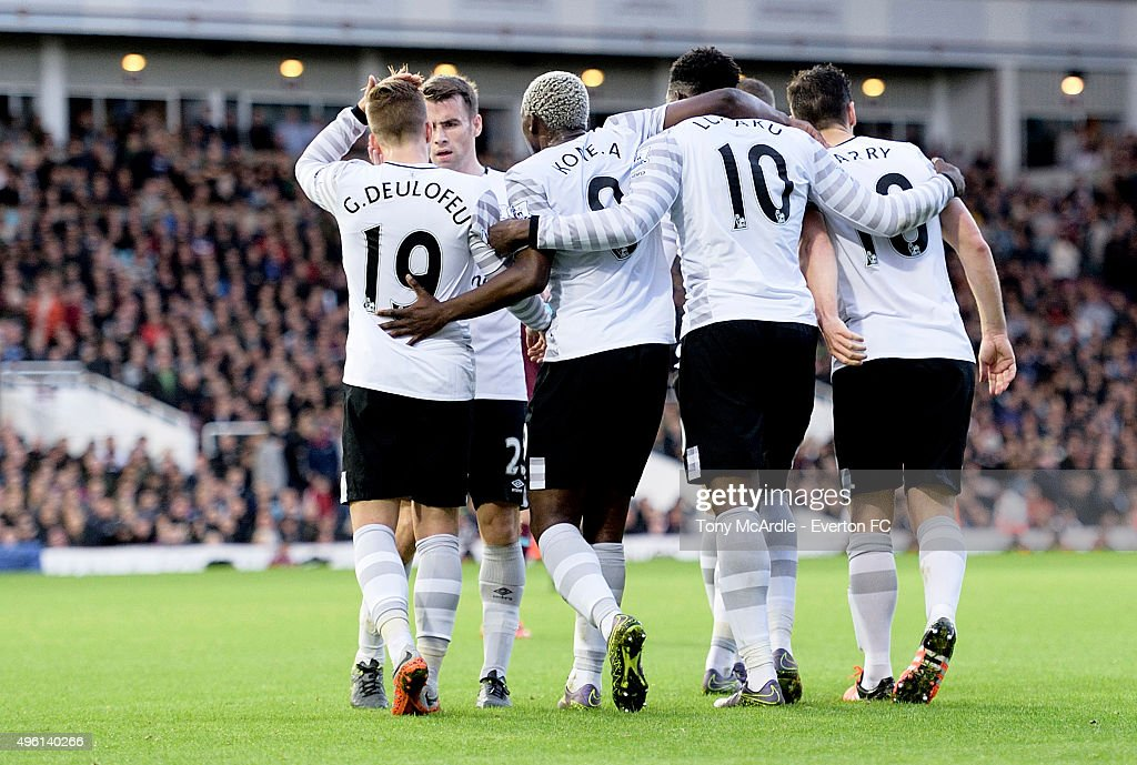 Romelu Lukaku (10) celebrates his goal with team mates during the Barclays Premier League match between West Ham United and Everton at Boleyn Ground on November 7, 2015 in London, England.