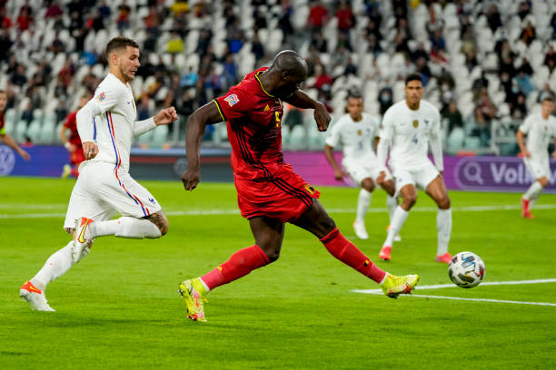 Romelu Lukaku of Belgium scores his team's second goal during the UEFA Nations League Semi-Final match between the Belgium and France at Juventus...