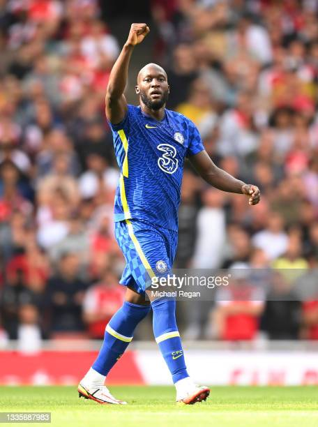 Romelu Lukaku of Chelsea celebrates after scoring their side's first goal during the Premier League match between Arsenal and Chelsea at Emirates...