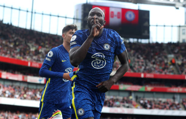 Romelu Lukaku of Chelsea celebrates his goal. During the Premier League match between Arsenal and Chelsea at Emirates Stadium on August 22, 2021 in...