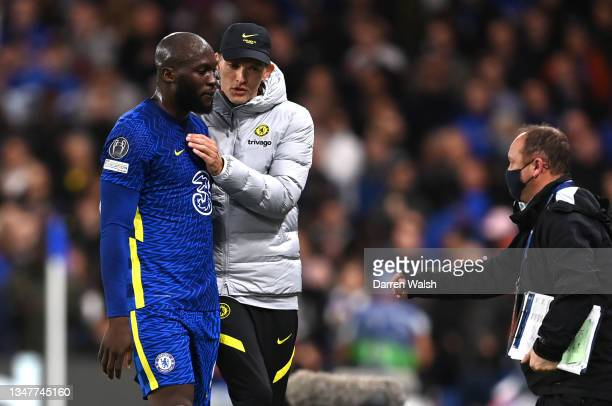 Romelu Lukaku of Chelsea is embraced by Thomas Tuchel, Manager of Chelsea as he is substituted off during the UEFA Champions League group H match...