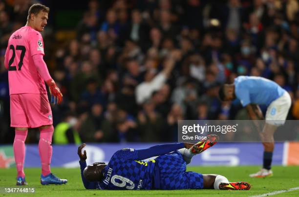 Romelu Lukaku of Chelsea reacts holding his leg during the UEFA Champions League group H match between Chelsea FC and Malmo FF at Stamford Bridge on...