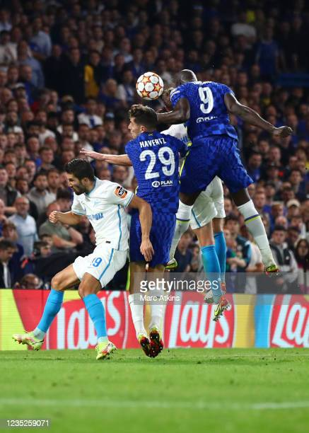 Romelu Lukaku of Chelsea scores the winning goal during the UEFA Champions League group H match between Chelsea FC and Zenit St. Petersburg at...