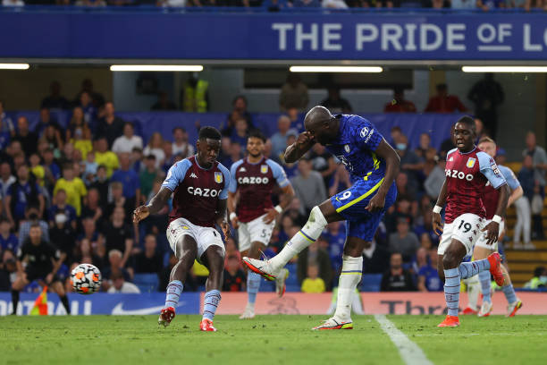 Romelu Lukaku of Chelsea scores their side's third goal during the Premier League match between Chelsea and Aston Villa at Stamford Bridge on...