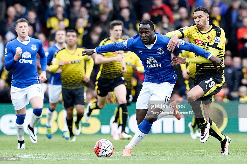Romelu Lukaku of Everton (L) and Etienne Capoue challenge for the ball during the Barclays Premier League match between Watford and Everton at Vicarage Road on April 9, 2016 in Watford, England.