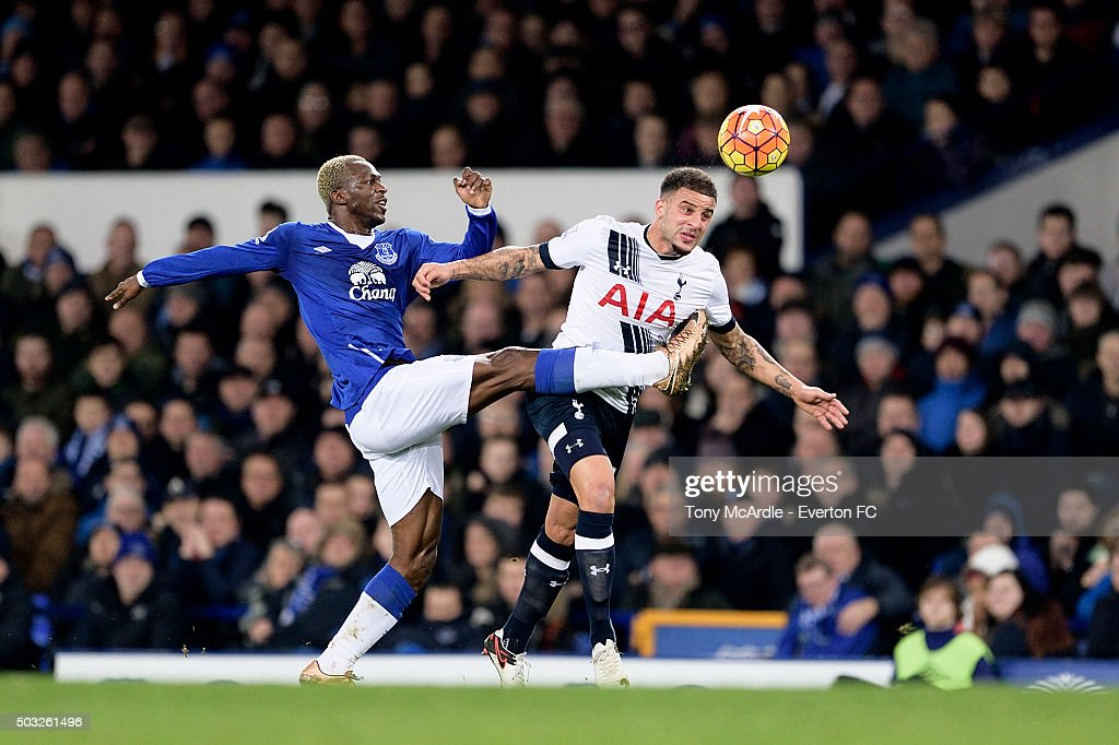 Romelu Lukaku of Everton and Kyle Walker challenge for the ball during the Barclays Premier League match between Everton and Tottenham Hotspur at Goodison Park on January 03, 2016 in Liverpool, England.