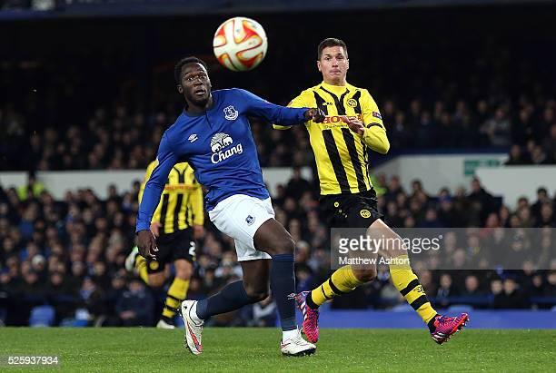 Romelu Lukaku of Everton and Milan Vilotic of Young Boys