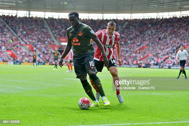Romelu Lukaku of Everton and Oriol Romeu of Southampton during the Barclays Premier League match between Southampton and Everton at St Mary's Stadium...