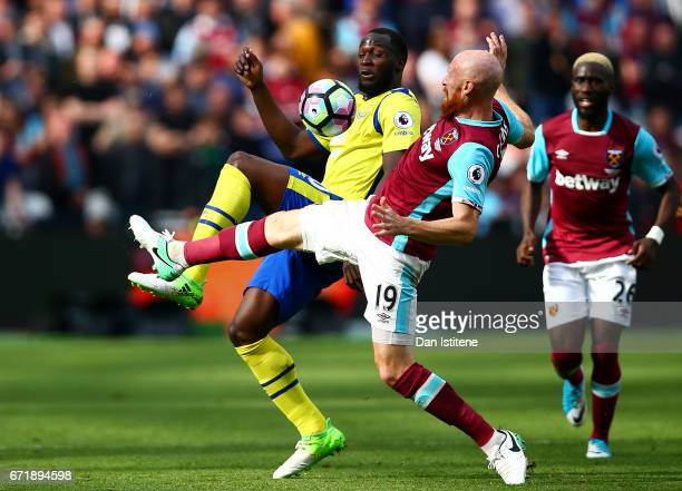 Romelu Lukaku of Everton battles for the ball with James Collins of West Ham United during the Premier League match between West Ham United and...