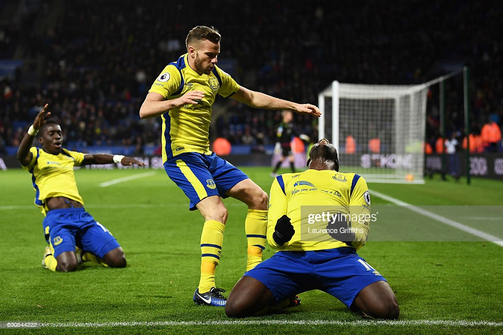 Romelu Lukaku (R) of Everton celebrates after scoring his team's second goal during the Premier League match between Leicester City and Everton at The King Power Stadium on December 26, 2016 in Leicester, England.