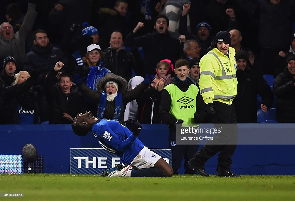 Romelu Lukaku of Everton celebrates as he scores their first and equalising goal during the FA Cup Third Round match between Everton and West Ham United at Goodison Park on January 6, 2015 in Liverpool, England.