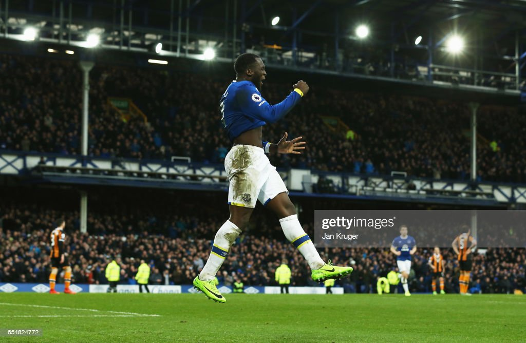 Romelu Lukaku of Everton celebrates as he scores their third goal during the Premier League match between Everton and Hull City at Goodison Park on March 18, 2017 in Liverpool, England.