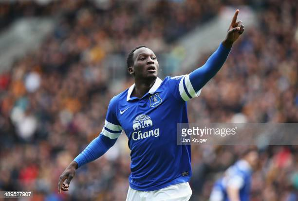 Romelu Lukaku of Everton celebrates his goal during the Barclays Premier League match between Hull City and Everton at KC Stadium on May 11 2014 in...