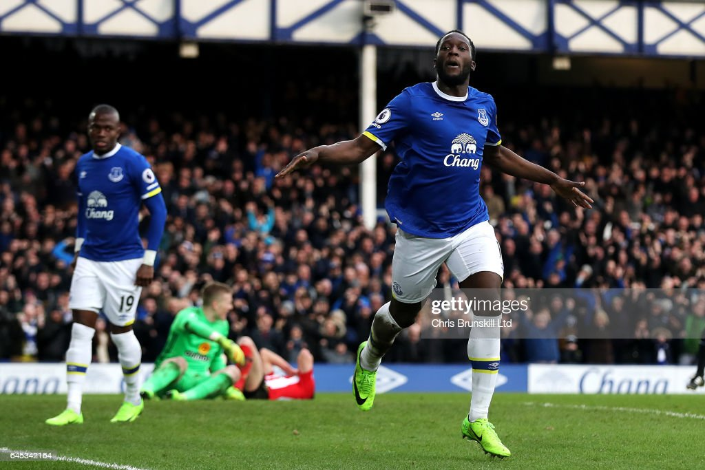 Romelu Lukaku of Everton celebrates scoring his side's second goal during the Premier League match between Everton and Sunderland at Goodison Park on February 25, 2017 in Liverpool, England.