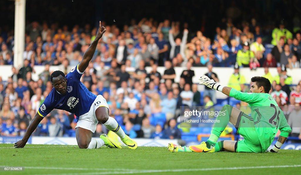 Everton v Middlesbrough - Premier League : News Photo