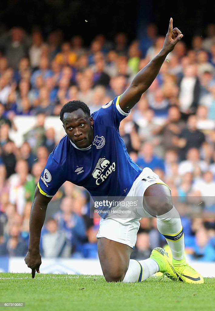 Romelu Lukaku of Everton celebrates scoring his sides third goal during the Premier League match between Everton and Middlesbrough at Goodison Park on September 17, 2016 in Liverpool, England.