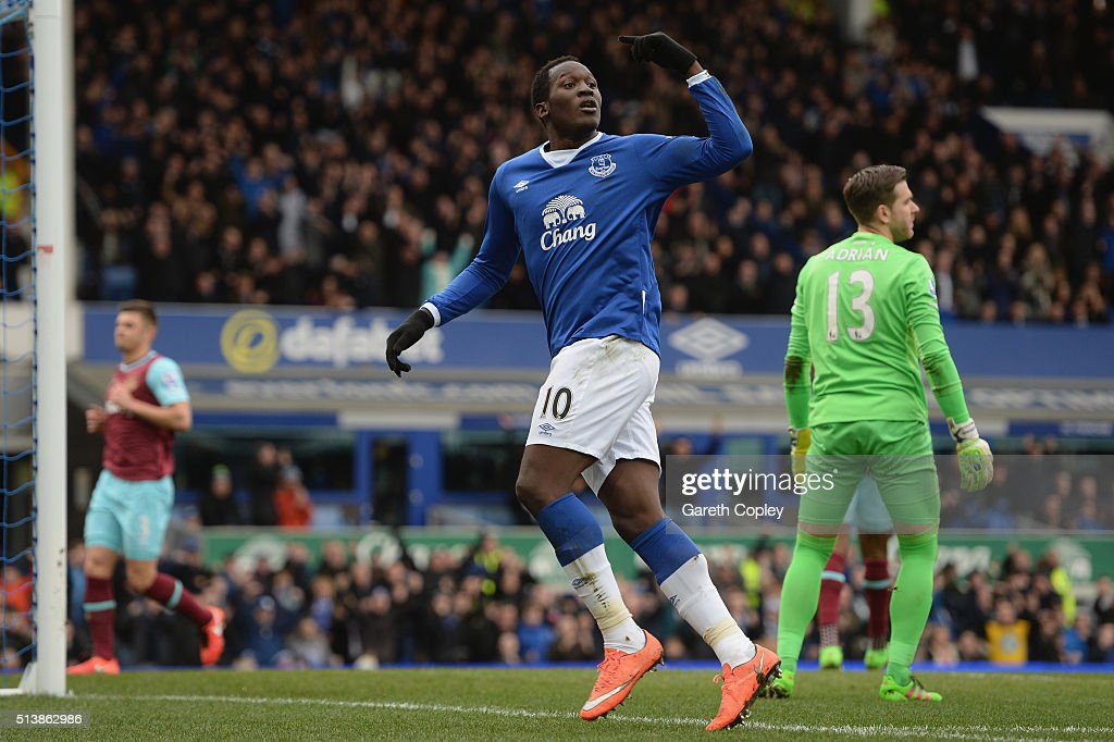 Romelu Lukaku of Everton celebrates scoring his team's first goal during the Barclays Premier League match between Everton and West Ham United at Goodison Park on March 5, 2016 in Liverpool, England.