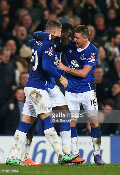 Romelu Lukaku of Everton celebrates scoring his team's second goal with his team mates Ross Barkley and James McCarthy during the Emirates FA Cup...