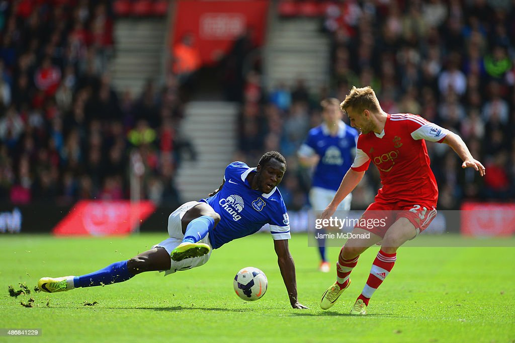 Romelu Lukaku of Everton is put under pressure by Luke Shaw of Southampton during the Barclays Premier League match between Southampton and Everton at St Mary's Stadium on April 26, 2014 in Southampton, England.