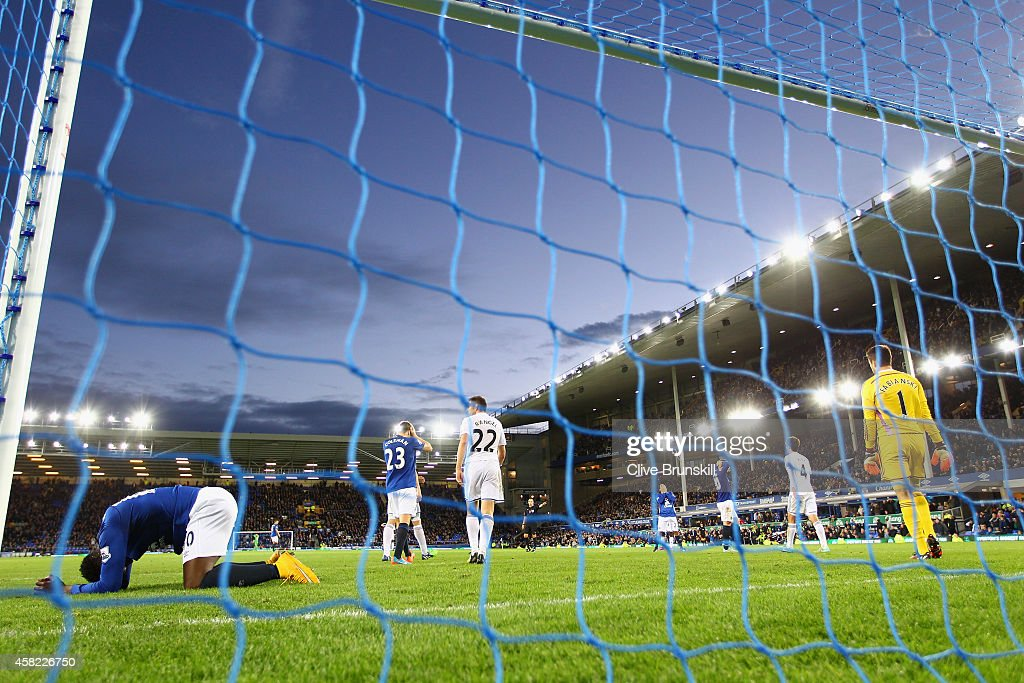 Romelu Lukaku of Everton reacts after a missed chance on goal in the dying minutes during the Barclays Premier League match between Everton and Swansea City at Goodison Park on November 1, 2014 in Liverpool, England.